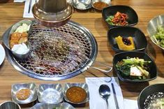 Seoul Itinerary & DIY Travel Guide for South Korea: 5 Days (More or Less) – I am Aileen Grilled Beef Ribs, Seoul Itinerary, Seoul Korea Travel, Beef Sirloin, Best Meat, South Korea, Travel Guide, Asia, Yummy Food