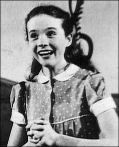 At the age of eight, her stepdad the tenor Ted Andrews discovers her incredible range. So she started taking singing lessons with Mrs Lilian Stiles-Allen.