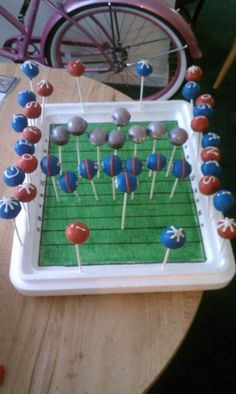 Superbowl cakepops