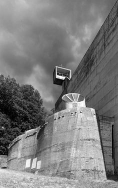 Le Corbusier, Cemal Emden · Couvent Sainte-Marie de la Tourette Religious Architecture, Facade Architecture, School Architecture, Sainte Marie, Outdoor Sculpture, Built Environment, Brutalist, Images, Photos