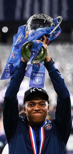 France Football, Bae, Soccer Pictures, Best Football Players, Paris Saint, Neymar Jr, Handsome Boys, Messi, Fifa