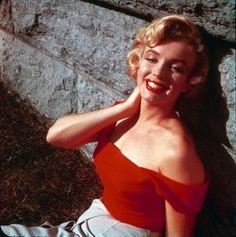 1953: Marilyn Monroe photographed by Jock Carroll