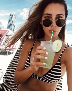 Sivan Ayla in RayBan Round Metal #sunglasses #shades #fashion #streetstyle #bloggers #models #topmodels #gafas #gafasdesol #lunettesdesoleil #occhialidasole