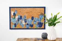 Prikbord met tulpen | naaien editie 73-2021 Kids Rugs, Tapestry, Quilts, Home Decor, Tulips, Craft Work, Hanging Tapestry, Tapestries, Decoration Home