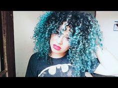 Como pintar o cabelo de azul em casa Cabelo cacheado azul em casa
