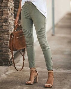 Your legs are beautiful, green ankle zipper jeans ankle zipper pants green skinny jeans with zippers tight green skinny jeans casual trousers slimming work pants for women Jeggings, Jeans Leggings, Outfit Jeans, Joggers, Skinny Pants, Skinny Fit, Sweat Pants, Denim Jeans, Espadrille Sneakers