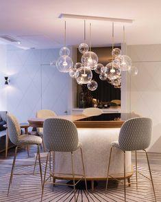 bubble kronleuchter Elegant modern chandelier dining room lighting ideas for this year 34 Dining Chandelier, Bubble Chandelier, Dining Room Light Fixtures, Dining Lighting, Kitchen Lighting Fixtures, Home Lighting, Lighting Ideas, Chandelier Ideas, Light Design