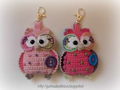 Just made with love by Antoinette: Owls Owls.  Pattern is $5.00 on Etsy.