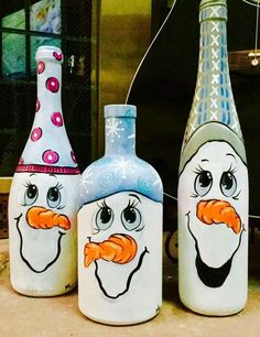 Ideas Funny Christmas Decorations Wine Bottles For 2019 Wine Bottle Art, Painted Wine Bottles, Wine Bottle Crafts, Glass Bottles, Beer Bottle, Snowman Crafts, Holiday Crafts, Holiday Pics, Felt Crafts
