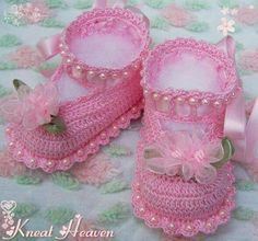Boutique Crochet Little Lady Baby Booties w/Pearls Kneat Heaven Boutique Crochet Baby Sandals, Booties Crochet, Crochet Baby Clothes, Crochet Baby Shoes, Crochet Slippers, Baby Blanket Crochet, Baby Boots, Baby Girl Shoes, Shoe Pattern