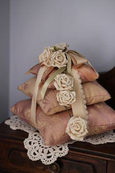 French style scent tower pillows