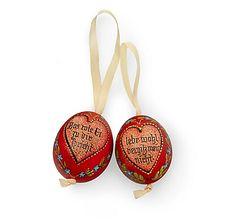Traditioneller Liebesbeweis, zwei bemalte Eier mit Spruch als Liebesgeschenk, handbemalt im Pinzgau – jetzt bei Servus am Marktplatz kaufen. Prove Love, Eggs, Easter Activities