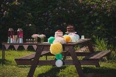 Värikäs juhlakattaus / colorful table setting #juhlahumua #party #partydecorations #paperdecorations #juhlat #gardenparty #puutarhajuhlat Picnic Table, Table Settings, Colorful, Party, Home Decor, Decoration Home, Room Decor, Place Settings, Receptions