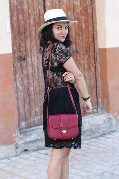 robe-noire-dentelle-look