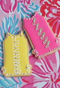Lilly Party Essentials: all Lilly girls love sweets, especially if they are Lilly themed Galletas Cookies, Cute Cookies, Cupcake Cookies, Sugar Cookies, Cupcakes, Fancy Cookies, Iced Cookies, Yummy Treats, Sweet Treats