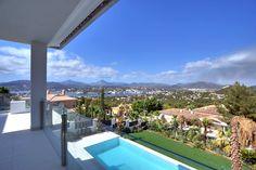 Luxusimmobilien Mallorca : modern, klar, elegant, fertig für Ihren Sommer 2015! http://www.casanova-immobilienmallorca.de/de/villa-haus/241614
