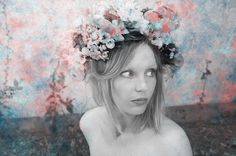 Love Blooms  Photography///An Lalemant  Art direction and DIY Flower Crown///Lise Mailman  www.rubancollectif.fr