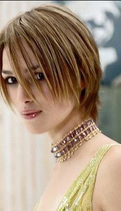 Modele de coiffure femme visage rond | coupes cheveux dégradés ...