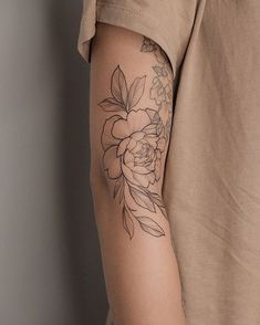 Minimalist Tattoo Ideas to be Quite Your Styles Pretty Tattoos, Sexy Tattoos, Cute Tattoos, Beautiful Tattoos, Flower Tattoos, Black Tattoos, Floral Arm Tattoo, Floral Tattoo Design, Ankle Tattoos