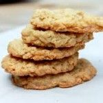 These Crispy Salted White Chocolate Oatmeal Cookies have a shatteringly-crisp exterior while maintaining a chewy center for the perfect cookie! Homemade Oatmeal Cookies, Chocolate Oatmeal Cookies, Oat Cookies, Oatmeal Cookie Recipes, Perfect Cookie, Vegetarian Chocolate, White Chocolate, Dessert Recipes, Paleo