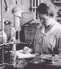 """Katharine Burr Blodgett (1898-1979) First woman to receive a PhD in physics from Cambridge University and inventor of """"invisible"""" (low-reflectance) glass"""