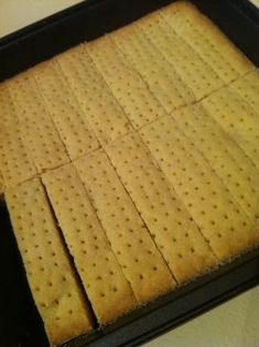 Shortbread filled with chocolate ganache and pecan nuts - HQ Recipes Scottish Recipes, Irish Recipes, Sweet Recipes, British Food Recipes, Scottish Desserts, Scottish Dishes, English Recipes, Healthy Recipes, Indian Recipes