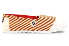 Ombu classic Eco-friendly Women Shoes.  Super Light construction Espadrilles White Fabric on toe and heel combined with brown and white lines. Hot pink  fabric inside Ombu soft ecological leather insole and white rubber sole.