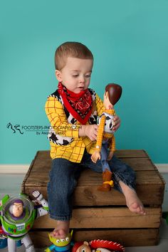 I love when clients come to me with an idea for a session and we're able to create something special and specific. The Valle family loves Toy Story. So much, in fact, that at just four days old, baby Alexander dressed up as Woody for his big sister's Toy Story themed birthday party. Knowing he …