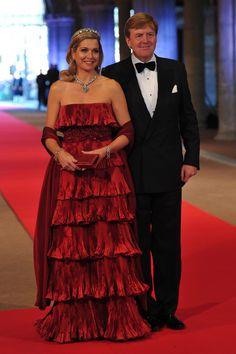 Dutch inauguration: Princess Maxima wears red Valentino gown - Photo 1   Celebrity news in hellomagazine.com