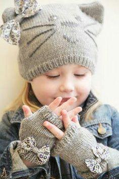 Queridas tejedoras, hoy es un día relajado, tejer es ideal ¿y por qué no? arriesgarse a tejer diseños novedosos. Hoy les compartimos 10 ideas para tejer con es