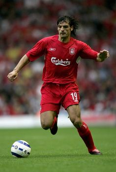 Fernando Morientes of Liverpool in Liverpool Legends, Liverpool Players, Fc Liverpool, Liverpool Football Club, Manchester United City, Newcastle United Fc, Best Football Players, Football Soccer, Retro Football