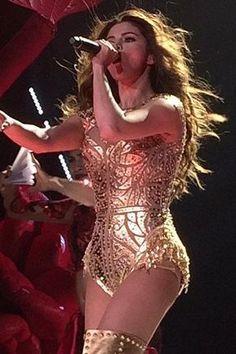 Selena Gomez's Revival Tour wardrobe is a sight to behold. Selena Gomez Live, Selena Gomez Concert, Selena Gomez With Fans, Selena Gomez Outfits, Selena Gomez Style, Stage Outfits, Dance Outfits, Selena Gomex, Concert Dresses