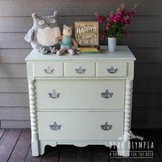 Mint Nursery Chest of Drawers Makeover - Dear Olympia - Fusion Mineral Furniture Paint - Gender Neutral Nursery