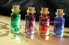 Mini Glow In The Dark Legend of Zelda Inspired Bottled Poe Soul Necklace Bottle Jewelry, Bottle Charms, Bottle Necklace, Necklace Set, Dark Souls Gifts, Zelda Sword, Dark Legends, Geek Home Decor, Zelda Birthday