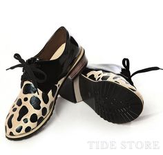 Dazzling Black And Leopard Matched Eyelet And Lace Low Heel Pointed Toe Nude Shoe
