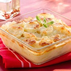 Gratin dauphinois express (easy, fast) – A CuisineAZ recipe - Recipes Easy & Healthy A Food, Good Food, Food And Drink, Patate Dauphinoise, Easy Healthy Recipes, Easy Meals, Eating Raw, Vegetable Side Dishes, Everyday Food