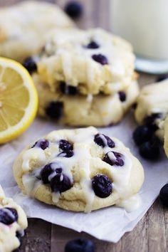 Blueberry Cream Cheese Cookies with a Lemon Glaze - Re .- Blueberry Cream Cheese Cookies with a Lemon Glaze - Köstliche Desserts, Dessert Recipes, Best Blueberry Recipe, Blueberry Recipes Easy, Blueberry Desserts, Lemon Recipes, Easy Recipes, Lemon Glaze Recipe, Lemon Poppyseed Muffins
