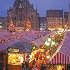 Christmas Markets in Europe...would love to be shopping there!  #christmas #europe