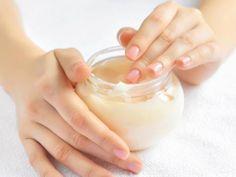 Multiusos de la vaselina | Ilumina Tu Imagen trae consejos para lograr una piel radiante | Telemundo