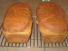 Spelt Bread - this is so similar to my honey whole wheat bread...but with spelt flour.  Bye bye wheat bloat!