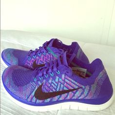 Nike 4.0 Flyknit Sneakers Size 6, can fit up to a 6.5 but just is too tight on me! My loss is your gain. Feel free to make a reasonable offer :) beautiful color! Nike Shoes Athletic Shoes