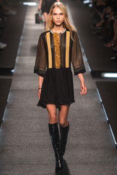 Louis Vuitton Spring 2015 Ready-to-Wear Fashion Show - Line Brems (OUI)