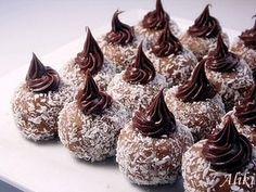 Φαγητό Archives - Page 2 of 131 - idiva. Greek Sweets, Greek Desserts, Candy Recipes, Sweet Recipes, Dessert Recipes, Wedding Sweets, Chocolate Sweets, Pastry Art, Cupcakes