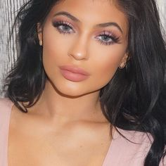 She's so beautiful. It's insane. #myqueen #kyliejenner #lips #eyes #styledbyhrush #makeup #beauty #glam