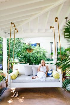 Home of the Month - Charming Charleston Home of Look Linger Love - Chassity Evans - Southern Front Porch - Simple Stylings - Low Country Home Tour - Mount Pleasant - http://www.simplestylings.com