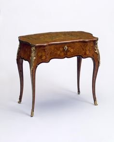 Ladies' Writing and Dressing Table attributed to Jean-Francois Oeben circa 1760 on display in the French Drawing Room French Furniture, Wooden Furniture, Luxury Furniture, Antique Furniture, Cool Furniture, Furniture Design, Writing Bureau, French Rococo, Table Cards