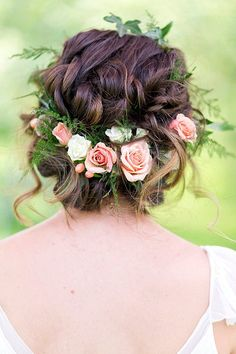 Wedding Hairstyles Updo Gorgeous loose braided updo wedding hairstyle with pink flower crown; Featured Photographer: Lieb Photographic, Via Twobirds Bridesmaid - Wedding Hairstyles Wedding Hair And Makeup, Wedding Updo, Hair Makeup, Boho Makeup, Flower Crown Hairstyle, Crown Hairstyles, Hairstyle Ideas, Vintage Hairstyles, Updo Hairstyle