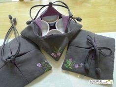 '여뀌'예요~ ♣ 흔히들 잡초로만 생각하지만.. 가만히 들여다보면 색감도 예쁘고 야생의 느낌이 물씬 나는... Mochila Tutorial, Knitting Projects, Sewing Projects, Wrapping Gift, Sewing Box, Fabric Bags, Embroidery Art, Barbie Clothes, Handmade Bags