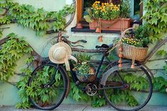 Adorable, and Quaint Flower Shop, Provence, France photo via Old Bicycle, Old Bikes, Dutch Bicycle, Bicycle Decor, Bicycle Art, Bicycle Helmet, France Photos, Exotic Places, Vintage Bicycles