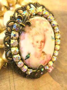 """Grosse bague romantique baroque """" Marie Antoinette """" : Bague par lorenza"""
